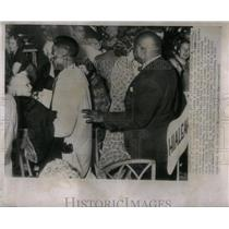 1955 Press Photo Refused service at Lincoln day dinner. - RRX12721