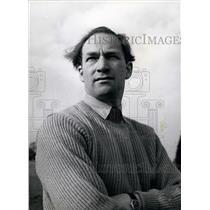1943 Press Photo World Airspeed Record Holder Peter Twiss Wearing Sweater