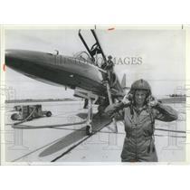 1981 Press Photo Reporter Pamela Warrick Blue Anger TA-4F Skyhowk Blue Angels