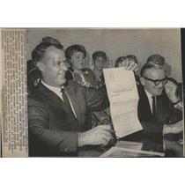 1967 Press Photo Gordie Howe 22nd Season Detroit - RSH35185