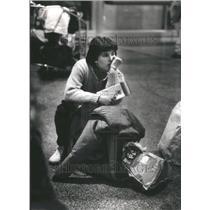 1988 Press Photo O'Hare International Airport Passenger - RRU80803