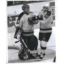 1998 Press Photo Steve Sweeney congrats winning goalie - RSH23095