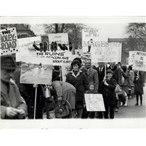 1966 Press Photo 250 Residents of Thurmaston Protest Roads