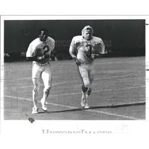 1984 Press Photo Obed Ariri Capece Tampa Bay Buccaneers - RSH22643