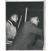 1961 Press Photo Boston Bruins Coach Phil Watson And Bob Armstrong Watch Game