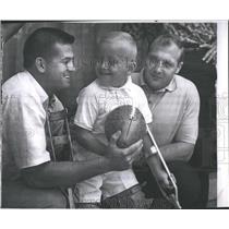1962 Press Photo Detroit Lions Terry Barr Joe Schmidt Boy Jay Hill Siskin
