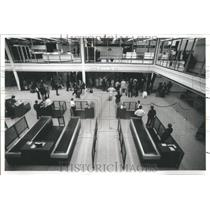1980 Press Photo International Terminal Baggage Claim - RRU82397