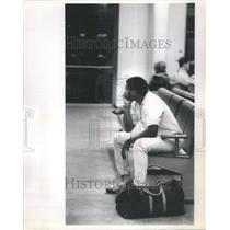 1991 Press Photo O'Hare International Airport Passenger - RRU80931
