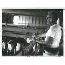 1979 Press Photo Dr. Richard Knight veterinarian flock goats Rapasky farm