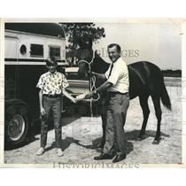 1969 Press Photo Mark Kinder, Olin Mott and horse., Kinder won in drawing.