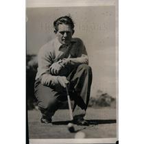 1940 Press Photo Cincinnati Red's Pitcher Paul Derringer Golfing