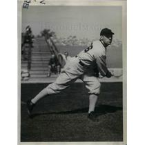 1934 Press Photo White Sox Pitcher Phil Gallivan in Practice