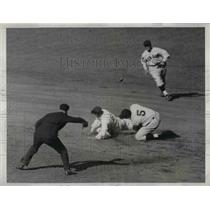 1933 Press Photo Ben Chapman Attempts Steal Yankee Left Fielder Boston Red Sox