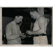 1937 Press Photo Dr. Jorgensen, Jewel Ens, Pittsburgh Pirates