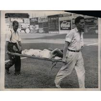 1939 Press Photo Washington Senator Buddy Lewis Injured In Game