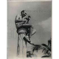 1933 Press Photo Ted Usins Radio Announcer Miami Beach Florida