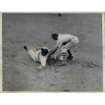 1936 Press Photo Brooklyn Dodgers Phelps Stealing 2nd - nea06394