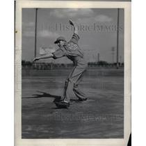 1939 Press Photo Chet Tarnacki Pitcher for Bendix Braves