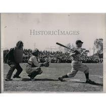 1936 Press Photo Senators B Myers, Tigers catcher Hayworth, ump Oemsby