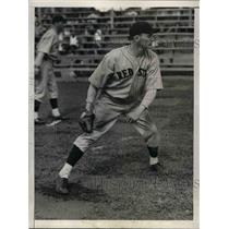 1934 Press Photo Red Ostermueller,Pitcher of Boston Red Sox during Training.