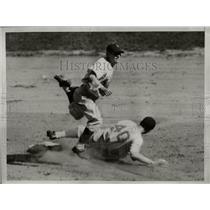 1938 Press Photo New York Giants George Myatt to Alex Kampouris
