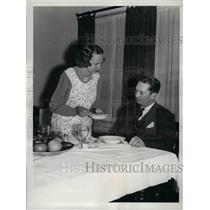1935 Press Photo Washington Senators' Second Baseman Buddy Myer And Wife