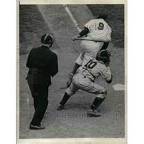 1943 Press Photo Braves Trade Connie Ryan And Hugh Poland To Giants