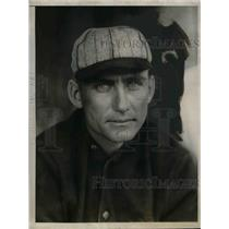 "1927 Press Photo St Louis Cardinals player, Roscoe ""Wattie"" Holm"