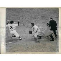 1943 Press Photo baseball Washington Senators Ellis Clary Bob Swift Bill Mcgowan