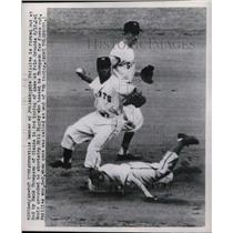 1949 Press Photo Phillies Hamner Forced Out At 2nd By Giants Thompson In 3rd
