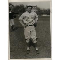 1930 Press Photo Waren Mayeli, 3rd baseman and captain ball of New York Yankees.