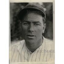 1930 Press Photo NY Yankees, Lou McElvoy at spring training