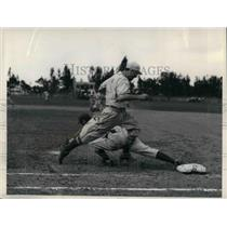1936 Press Photo Cincinnati Reds Kampouris Crosses 1st In Grapefruit League Play