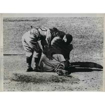 1934 Press Photo Luke Sewell, First String Catcher, Washington Senators Injured