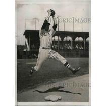 1939 Press Photo White Sox infielder Louis Berger in spring training