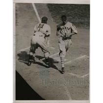 1935 Press Photo Joe Moore of Giants - nea07186