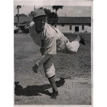 1939 Press Photo Boston Bees rookie pitcher Albert Hazel - nea06659