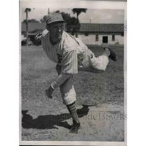 1939 Press Photo Boston Bees rookie pitcher Albert Hazel
