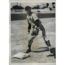 1939 Press Photo Lew Rigg, Infielder of the Cincinnati Reds during training Camp