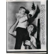 1958 Press Photo Baltimore Colts Alan Ameche & son Bryan - nea07845