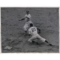 1944 Press Photo Philadelphia defeats Washington Wheaton - nea08680