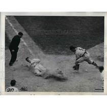 1942 Press Photo Giants Willard Marshall slides home vs Philly Ben Warren