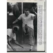 1957 Press Photo Paige Cotheran of Los Angeles Rams kicking during practice.