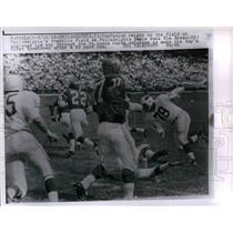 1962 Press Photo Eagles Tim Brown vs St Louis Cardinals - nea11511