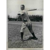 1935 Press Photo Fred Walker, Fielder for New York Yankees - nea07998