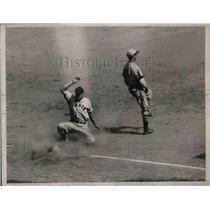 1935 Press Photo NY Giants Leiber safe at third base - nea12458