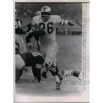 1962 Press Photo Browns, Clarence Peaks for TD vs the Eagles - nea07902