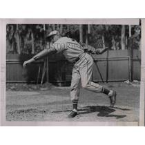 1937 Press Photo Robert Weiland, pitcher for St Louis Cardinals