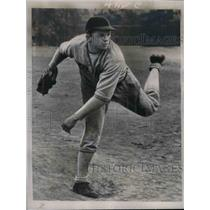 1937 Press Photo Archie Templeton Pitcher Acquired By St Louis Cardinals Team