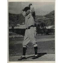 1932 Press Photo Lonnie Marneke baseball player Chicago Cubs - nea07744